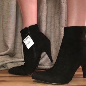 Carlos Short heel booties